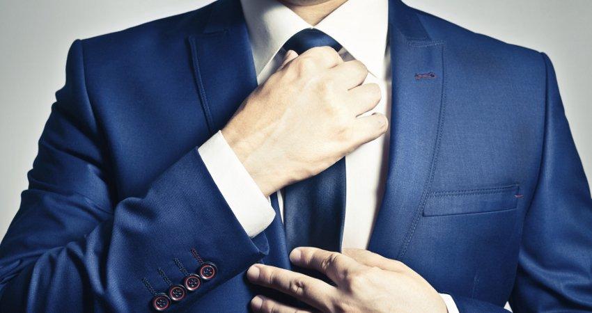 Синий костюм: с чем носить