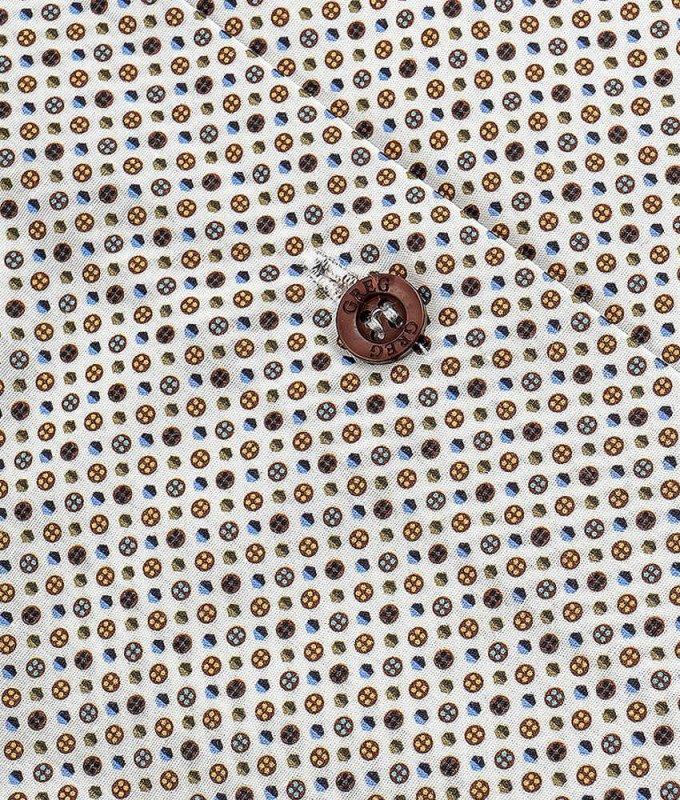 Рубашка Greg коричневая, с узором, классический силуэт, короткий рукав